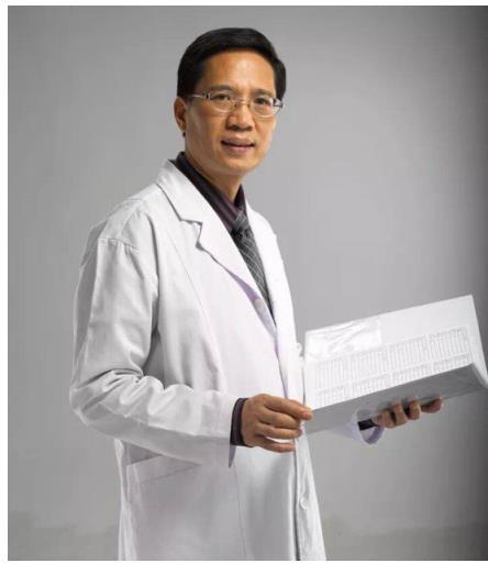 胡琼华博士作为美国